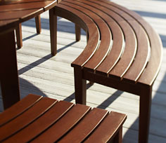 stain-outdoor-furniture_2
