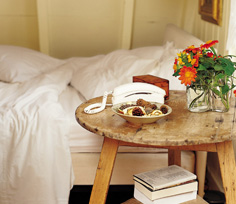 how-to-furnish-a-small-bedroom_2