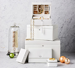 Jewelry Boxes & Storage