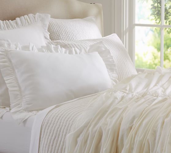 how to keep duvet insert in place