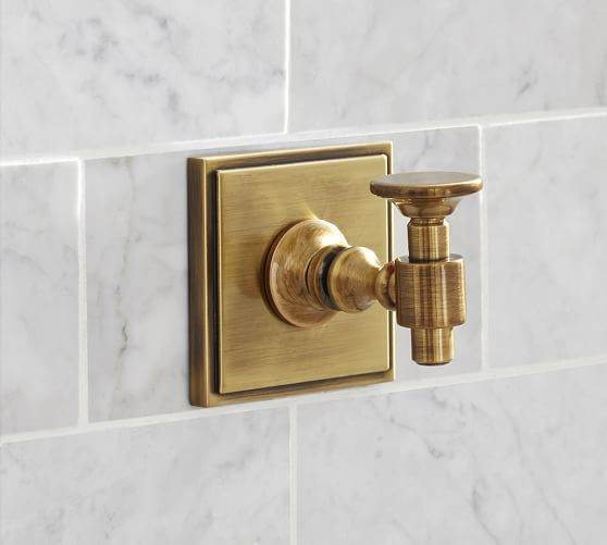 Pearson Wall Hook, Brass finish