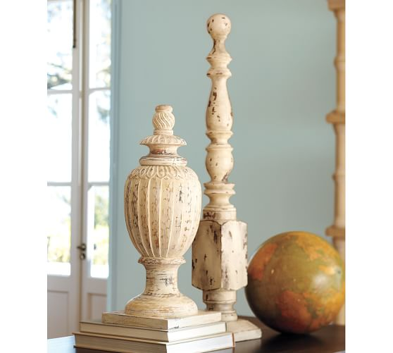 Chippy White Finial, Medium