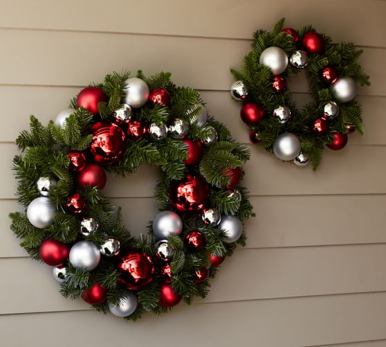 Outdoor Ornament Pine Wreath, Small, Red/Silver