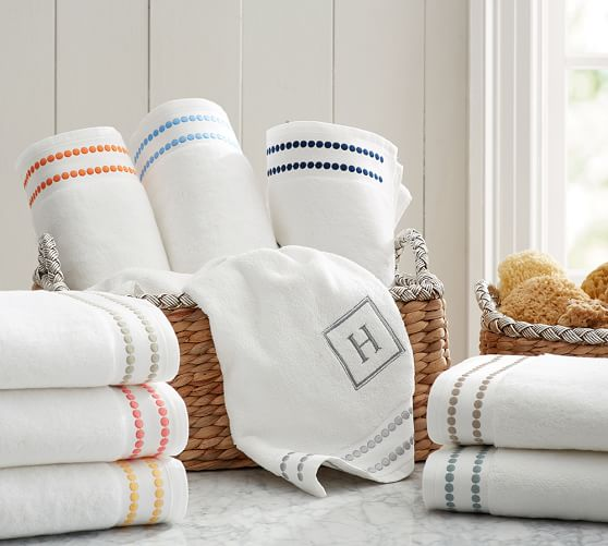 Pearl Embroidered 700-Gram Weight Bath Towels