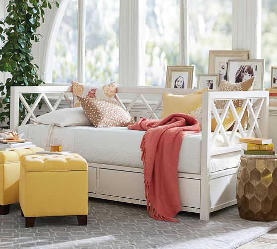 potterybarn daybed 1