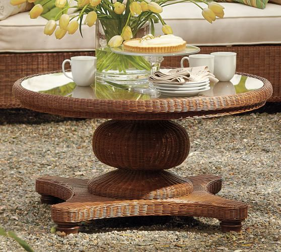 Wicker Circle Coffee Table: Palmetto All-Weather Wicker Round Pedestal Coffee Table