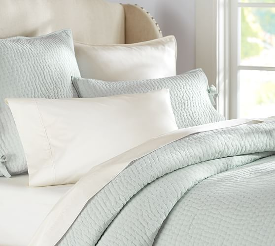 Pottery Barn Lightweight Quilts: Pick-Stitch Handcrafted Quilt & Sham