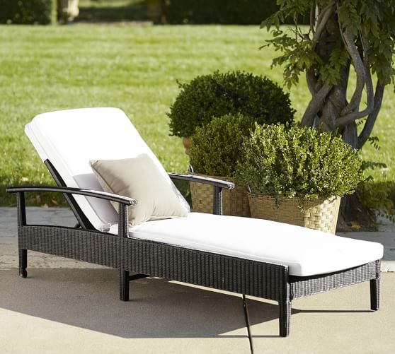 Palmetto all weather wicker single chaise black for Black outdoor wicker chaise