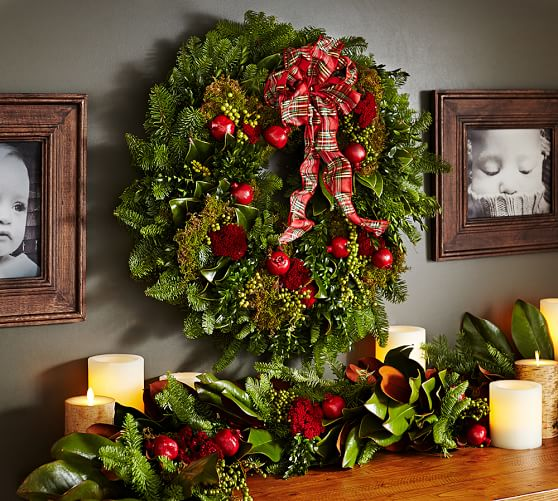 Live English Holiday Wreath