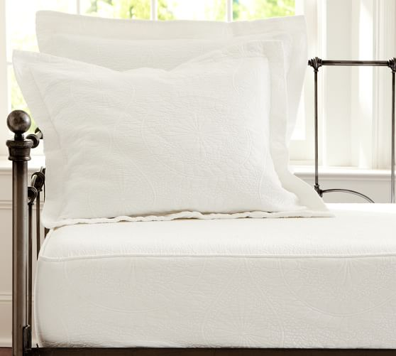 Marion Floral Matelasse Daybed Twin Mattress Cover, White