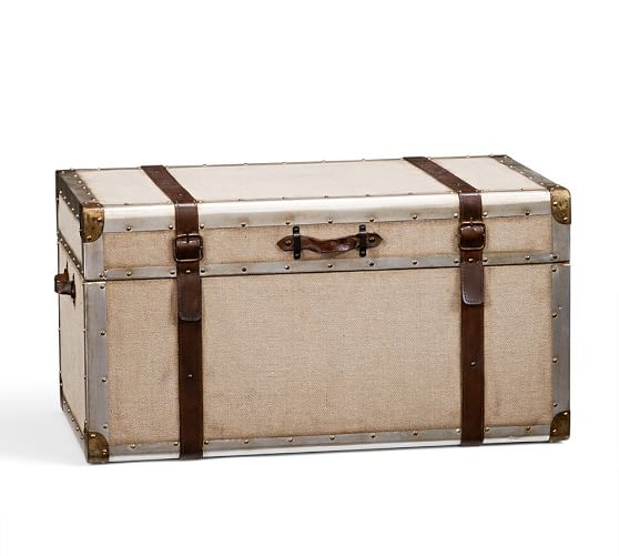 Zimmer Trunk : Pottery Barn