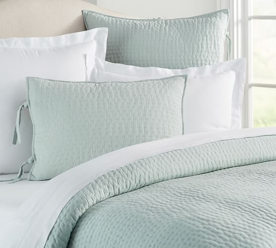 Pick-Stitch Handcrafted Quilt, Twin, Porcelain Blue